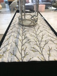 Декоративная дорожка с вышивкой FEATHER